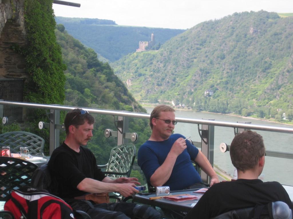 Rast på slott i Rhindalen