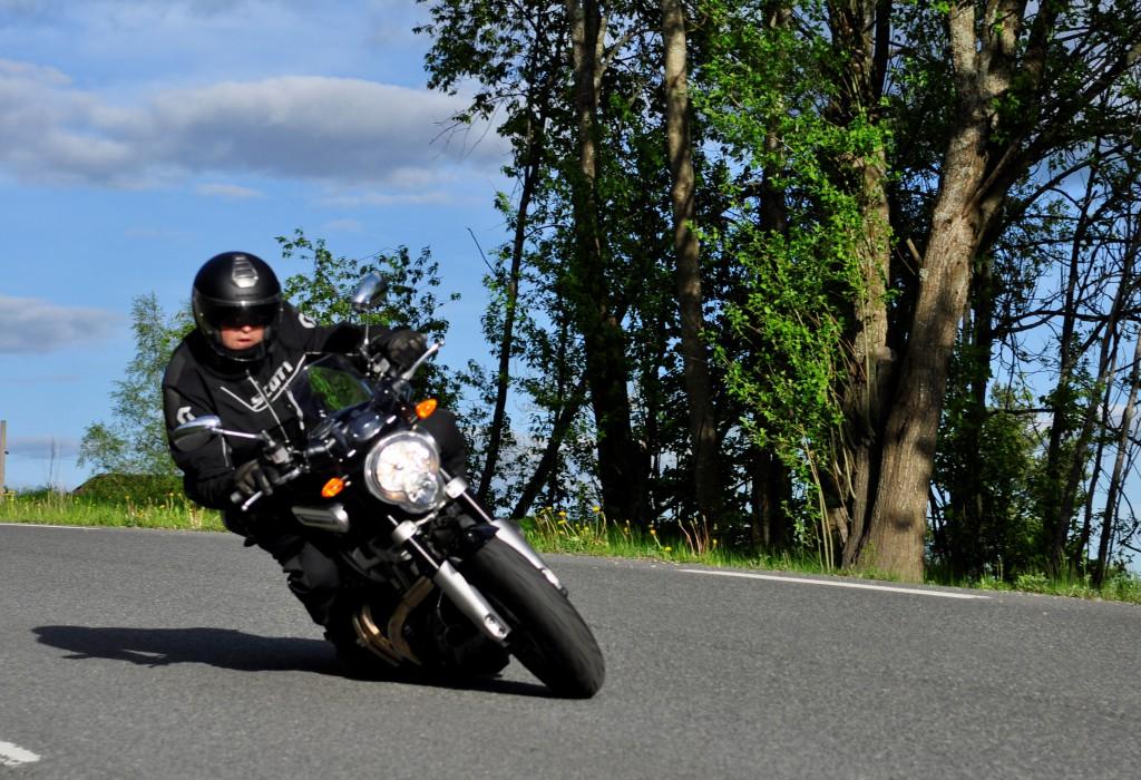 MT-01 er absolutt en lettkjørt sykkel med gode bremser og demperkomponenter.
