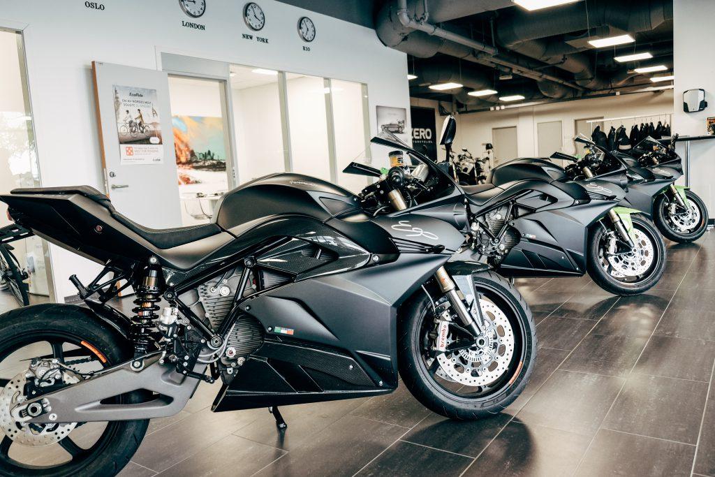 Ego er den første modellen på programmet til Energica. Sykkelen er en fullblods sportsykkel, med det beste av komponenter.
