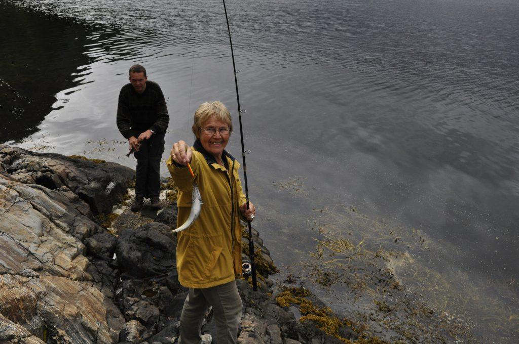 Solvor viser oss hvordan fisken skal fanges