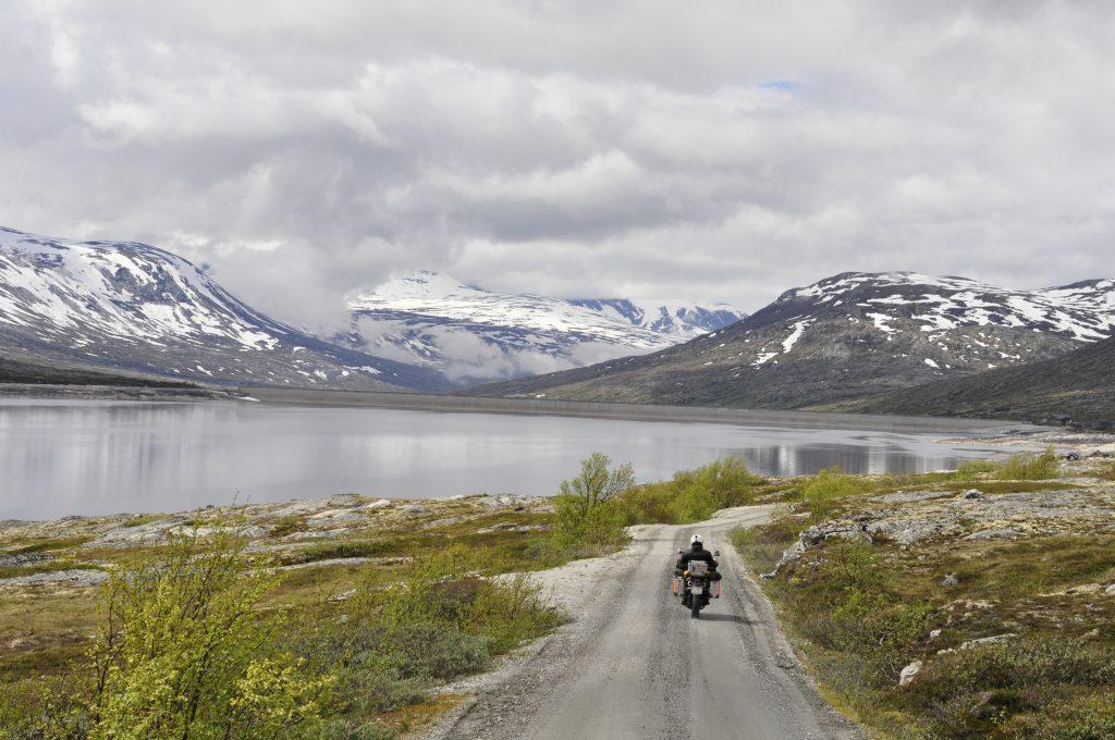 Aursjøen på vei mot Eikesdalen