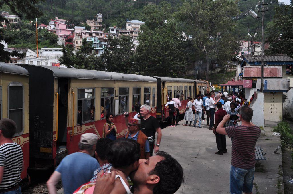 Himalayan Queen, på et av stoppene på vei mot Shimla. Britenes sommerhovedstad